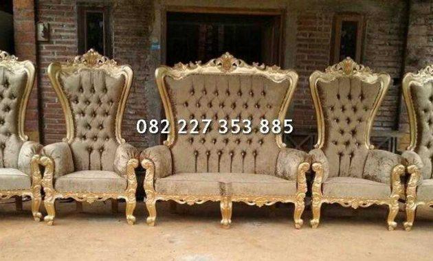 kursi pengantin syahrini warna emas