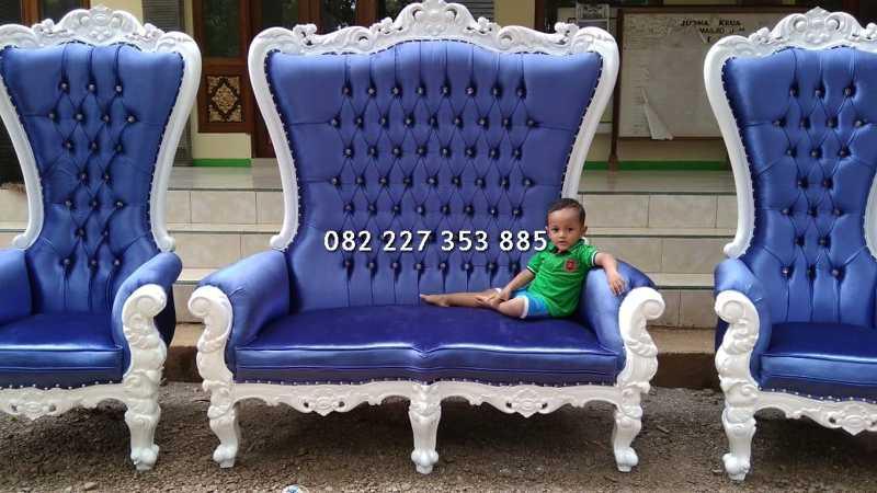 kursi syahrini tinggi 2 meter warna biru