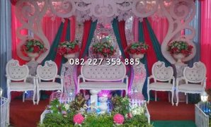 Bangku pengantin hello kitty
