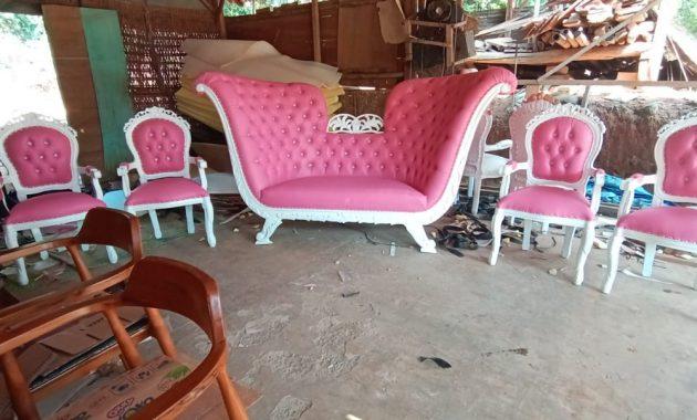 Kursi safir warna pink konbinasi
