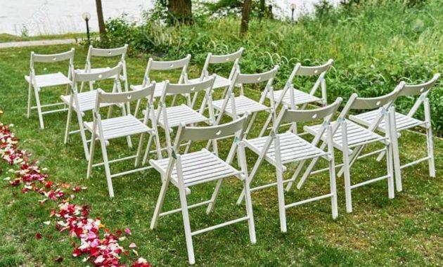 dekorasi kursi pernikahan outdoor minimalis lipat