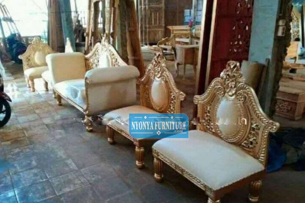 dekorasi kursi pengantin donat