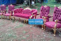 kursi pelaminan warna merah