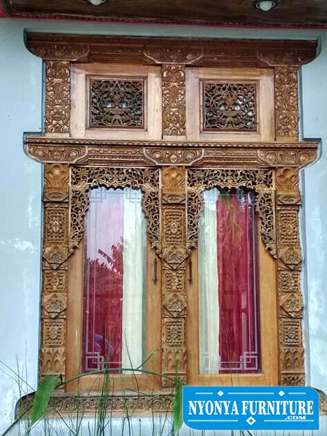 Jendela ukir Jepara