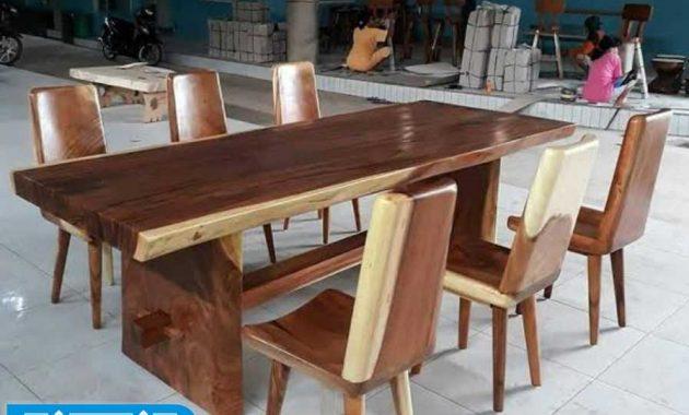 Meja makan kayu utuh mewah