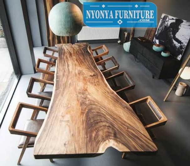Meja makan kayu utuh