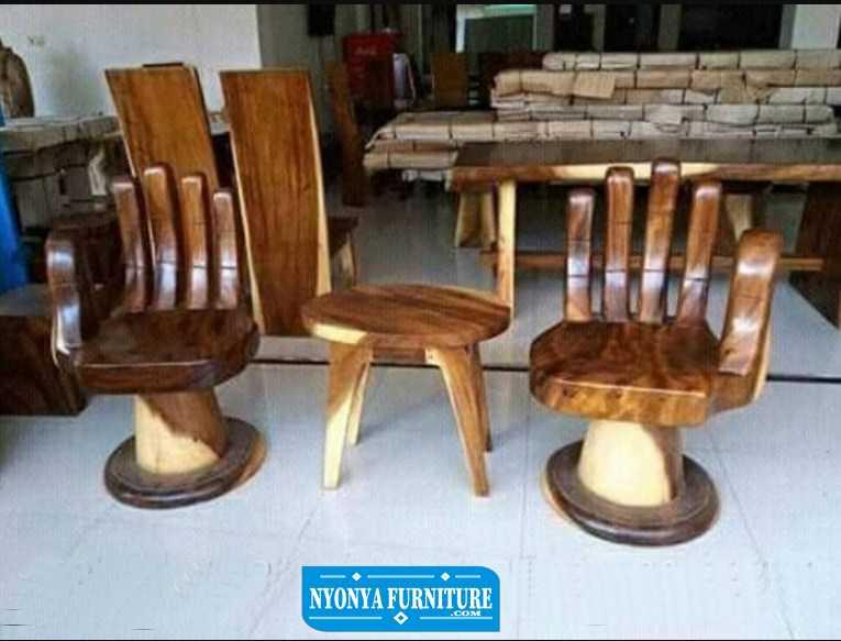 kursi teras bentuk tangan